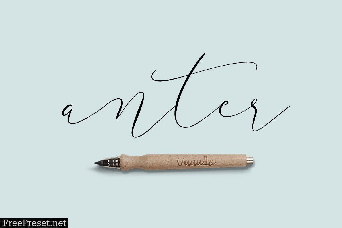 Font & Graphic Bundle 585385